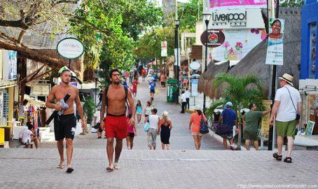 Quinta Avenida de Playa del Carmen 160617