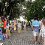 El Callejón del Arte: El rincón más bohemio y cultural de la Quinta Avenida